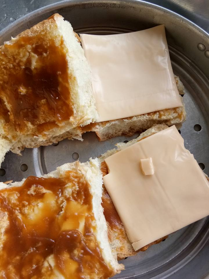 roti kukus cheese leleh buat sarapan  minum petang  anak guna bahan mudah je rasa Resepi Roti Kukus Lembut Enak dan Mudah